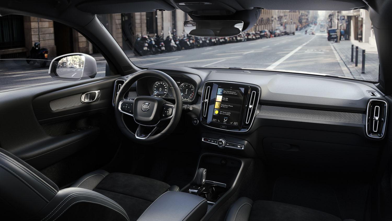 volvocars-cgi-interior-rendering-of-xc40
