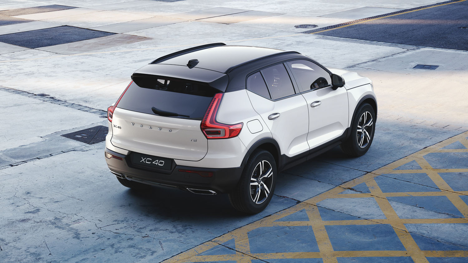 volvocars-marketing-images-driving-the-sales-of-a-brand